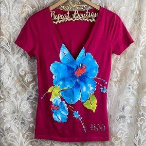 Hollister V neck floral hot pink t shirt medium